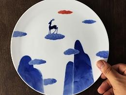 【初于蓝工作室】——《麋鹿·寻找》(青花手绘五彩描金)