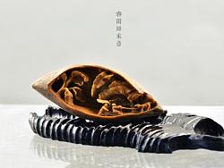 木风核雕作品:【春雨归家急】