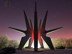 雪夜中的塞尔维亚 (前南斯拉夫纪念碑 Ⅱ )