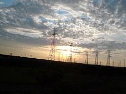 夕阳下的架影