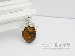 代波军艺术珠宝定制----琥珀里长着玫瑰花,琥珀镶嵌设计作品欣赏