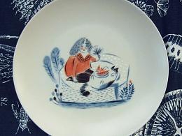 瓷盘彩绘《猫寿司》(釉上新彩)