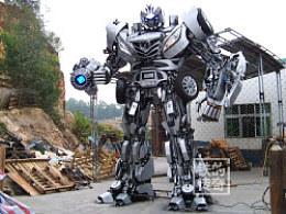 铁的传奇2011年底压轴作品:4.6米高长安汽车变形金刚即将登程重庆