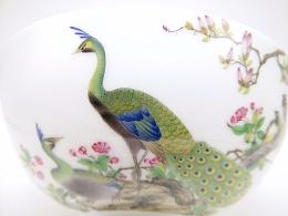 【釉上彩瓷】仿清雍正珐琅彩孔雀小碗一对