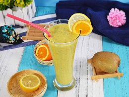 菠萝应该这样喝,一分钟学会菠萝猕猴桃酸奶汁