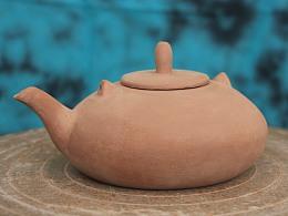 一把不完整的陶壶