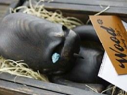 2013年推出首款公仔《实木版》