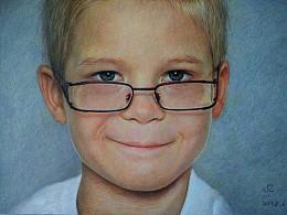 戴眼镜的小男孩