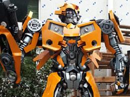 铁的传奇新一代变形金刚大黄蜂作品亮相杭州动漫节