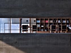 【旅行的意义】孤独的图书馆 by 晆时_micheal