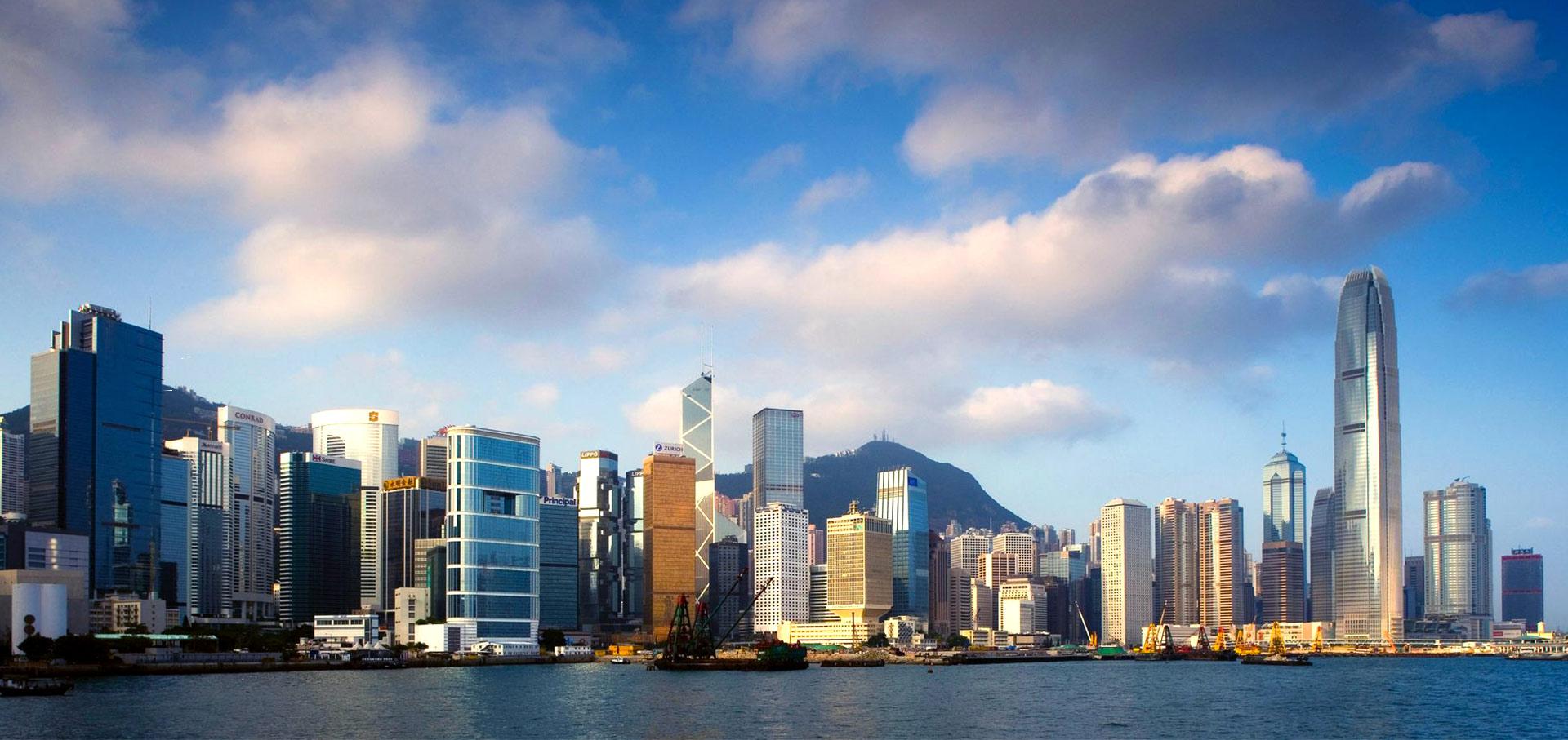 广州与香港经济总量_香港经济现状对比图