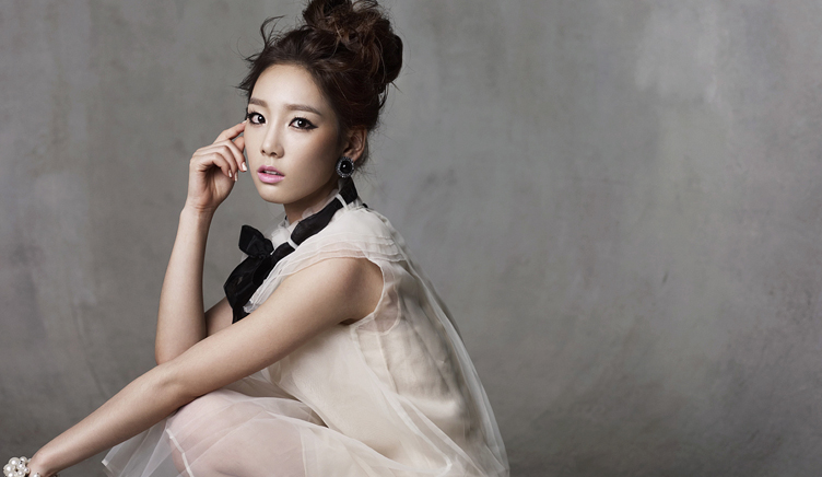 韩国美女金泰妍
