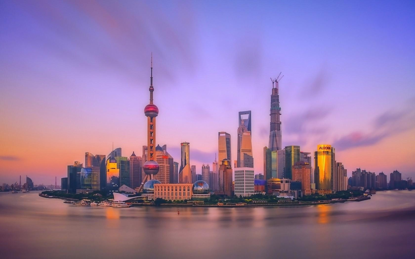 上海的经济总量占全国_上海夜景
