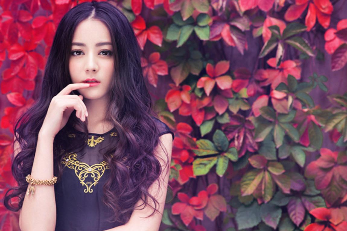 中国最火的明星_嘴唇奇怪,身材走形 她又被嘲了